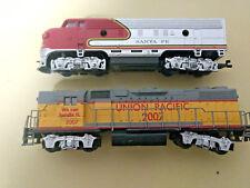 HO scale  2 locomotive lot Union Pacific and  Santa Fe Locomotives both run
