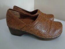 """BASS WOMEN'S HERITAGE """"MELINDA"""" BROWN TOOLED LEATHER DESIGN CLOGS SZ 6M~CLEAN"""