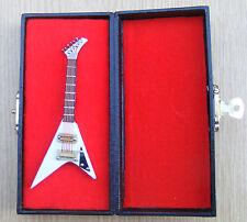 1:12 Scale White Guitar & Black Case Tumdee Dolls House Miniature Instrument 550