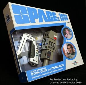 Space 1999 - Stun Gun & Commlock with Light and Sound (Preorder)
