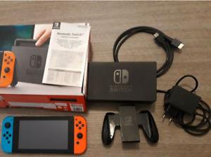 Consola Nintendo Switch gris de 32 GB con Joy-Con rojo neón y azul neón