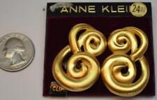 New Card Old Stock ANNE KLEIN Goldtone Matte KNOT Shape Clip-On Earrings #2