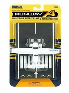 Daron Runway24 Diecast Metal Toy with Runway Section - C172 Blue/White