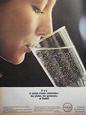 PUBLICITÉ 1966 BADOIT L'EAU A LA SAVEUR DE ROCHE PLATE GAZEUSE - ADVERTISING