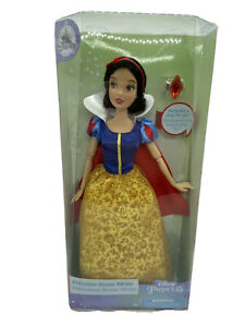 Disney Store Princess Snow White & Ring Classic Doll NEW