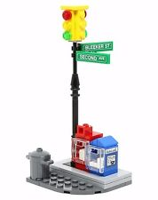 LEGO CITY STREET CORNER Intersection Traffic Light/Mailbox/Newspapers 76058
