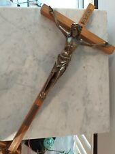 Jesus am Holzkreuz Korpus aus Messing zur 100sten Jahresfeier von Lourdes