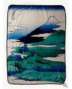 Doctor Who Throw Blanket Soft Fleece 45x60 inches Mountain Art tardis BBC NEW