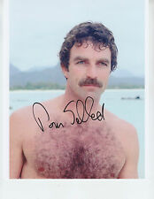 Tom Selleck - MAGNUM P.I. - signed 8x10