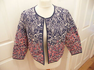 TU BOXY QUILTED JACKET SIZE 14 FLORAL NAVY BLUE WITH DITSY FLORALS OPEN VGC