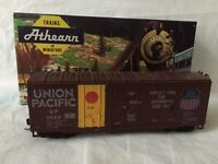 Athearn #2096 HO Scale Union Pacific 40' GrainLoading Boxcar #113218 KD Couplers