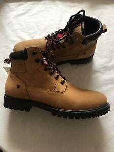 New Levi's Men's Soft Nubuck (Leather )Boots  Size UK 10.5 Euro 45