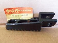 NOS SUZUKI - FT LH FOOTREST - RM100-125-250-400 - 1979   43560-40400