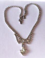 Ancien collier bijou vintage couleur argent déco centrale cristaux diamant 3454