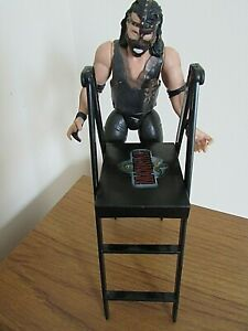 WWE WWF MICK FOLEY / MANKIND WITH LADDER ACCESSORY WRESTLING FIGURE DATED 1996
