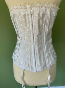 Fredericks Of Hollywood White Floral 6109 Dream Lace Up Corset Sz 38 Bridal