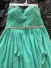 Size 1 Strapless Formal Gown Worn Once