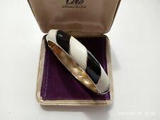 VINTAGE STYLISH RETRO BLACK & WHITE ENAMEL GOLD TONE HINGED CLAMPER BRACELET