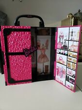 Barbie Pink And Black Wardrobe Carrying Case Closet 2011 Excellent condition