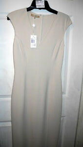 NEW Michael Kors Anastasi Virgin Wool V-Neck Long Dress Ivory Color Size 4