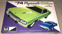 MPC 1974 Plymouth Road Runner 1:25 scale model car kit new 920