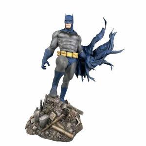 """Batman - Batman Defiant 25cm(10"""") Gallery PVC Diorama Statue"""