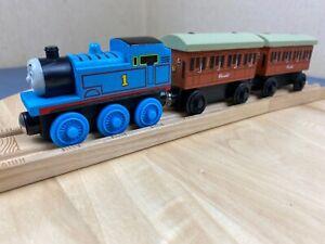 Thomas the Tank Engine - Unbranded Wooden Train Bundle - Thomas with 2 Clarabel