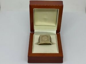 9ct Yellow Gold American Coin Ring Size V 1/2