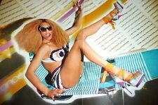 Beyonce (hot legs ) Poster Rückseite Luca Hänni ( shirtless ) für Deine Sammlung