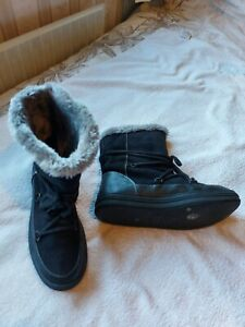 Ladies Black Faux Suede Winter Boots Size 6