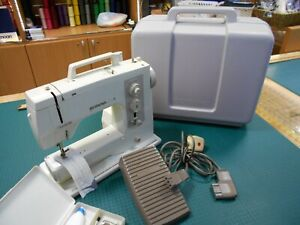 Stunning Bernina 801 Sport Electric Sewing Machine extension table missing