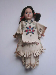 """VINTAGE 7"""" TALL HARD PLASTIC PAINTED EYES NATIVE AMERICAN INDIAN GIRL DOLL"""