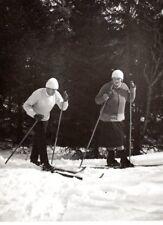 1930-s MAN LADY NORDIC SKIING WOOD SKI ANTIQUE ORIGINAL PHOTO FINLAND FINNISH