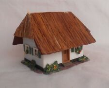 Vintage Vau-Pe Wiad HO Plastic House With Thatched Roof 123