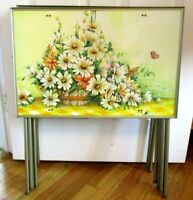 Folding TV Trays Vintage Set Table La Vada Daisy Flowers Butterfly kitsch decor
