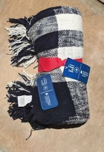 POTTERY BARN ~COTTON NUBBY ETL FRINGED THROW~BLUE AND WHITE~SUBARU LOVES TO CARE