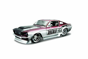 Ford MUSTANG Gt 1967 IN Harley-Davidson Design scale 1:24 From Maisto