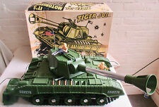 HUGE RARE 1961 DELUXE READING REMOTE CONTROL TIGER JOE TANK With Box WORKS; NMIB