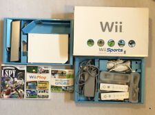 nintendo wii console bundle (2 Controllers/nunchucks And 3 Games) Original Box!