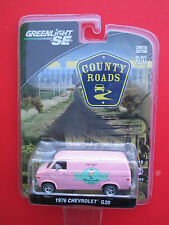 """GREENLIGHT SE COUNTRY ROADS- 1977 CHEVROLET G-20 VAN """"THE FLYING CUPCAKE"""" PINK"""