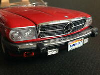 Mercedes Benz 300 SL (Typ R107) US-Version aus der TV-Serie Knight Rider 1:18