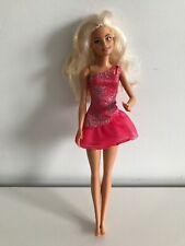 2015 Muñeca Barbie Con Brillo Rosa Vestido: Mattel K23HF DYY88