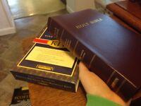 KJV Holy BIBLE GIANT PRINT Reference Bible Hendrickson Burgundy King James Bible