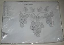 Herrschners Grapes Towel Set of 2 Stamped Linen