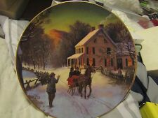 "1988 Avon "" Home For The Holidays "" 8"" 22K gold trimmed collectors plate"
