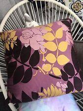 Beautiful cushion cover - Barbados - Lilac - Metallic nature leaf detail -Purple