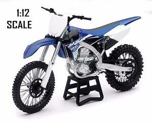 NewRay toys NEW 2017 Yamaha YZF 450  Motocross Bike Model - 1/12 Scale