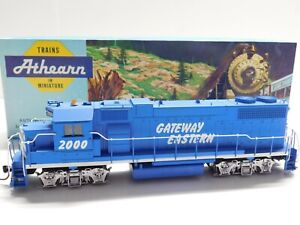 HO Scale - Athearn - Custom Gateway Eastern GP38-2 Diesel Locomotive Train #2000