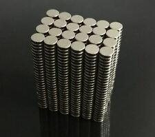 200 Stück N50 4mm x 1mm Mini Runde Super Starke Magnete Rare Earth Neodym-Magnet