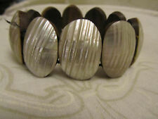 Cream Textured Shell on Wood Elasticated Bracelet